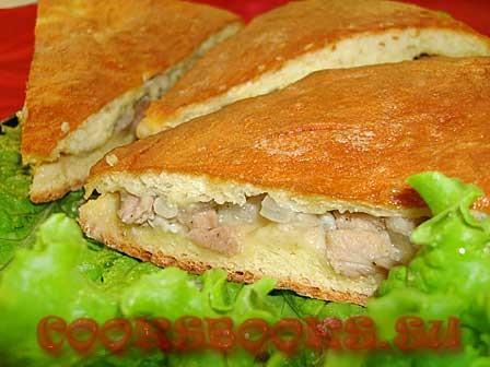 Пирог со свининой и луком