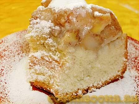 Яблочно-банановый пирог с корицей