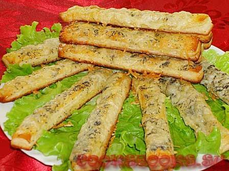 Сырные палочки с горчичным соусом