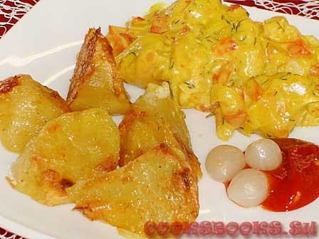 Курица с карри, перцем и запечённым картофелем