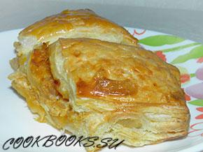 пирог из слоеного теста с тушеной капустой